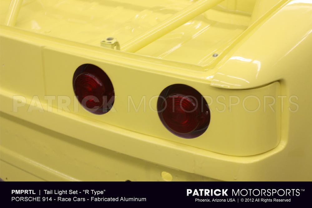 Tail Light Set - 914