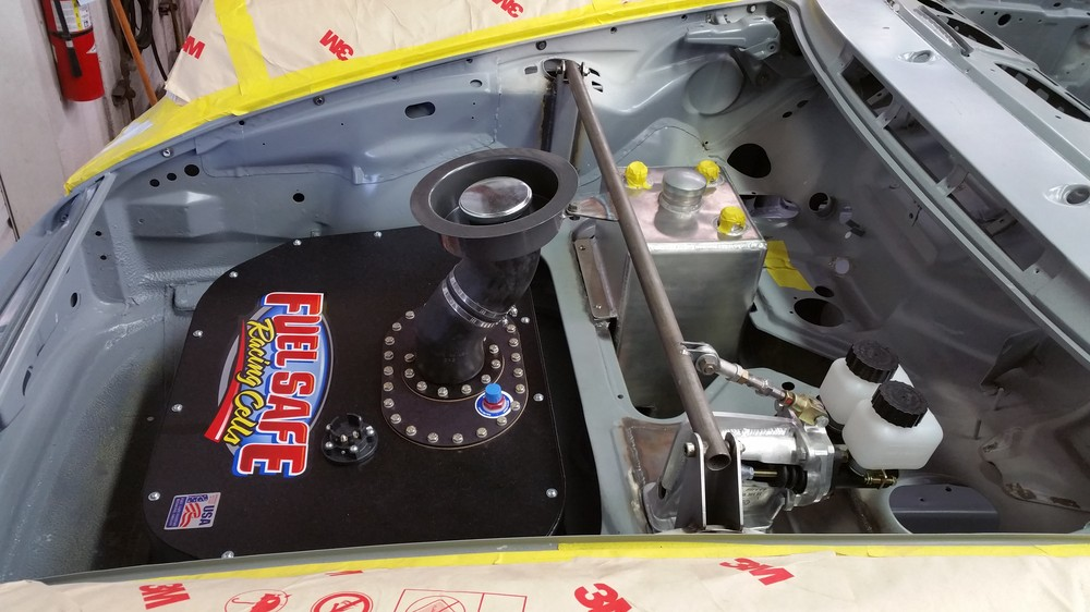 911 RSR TURBO showcasing a Fuel Safe Racing Cell