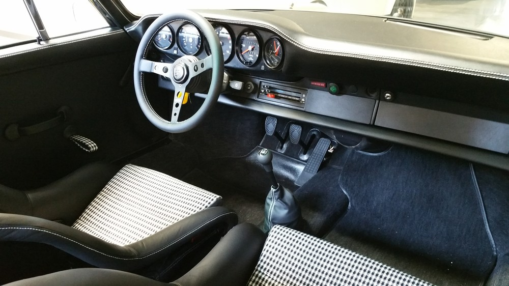 911 RSR 3.8L interior passenger side