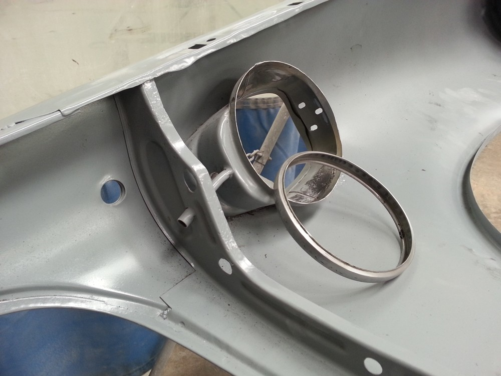 69 911 E MFI filler neck ring replacement