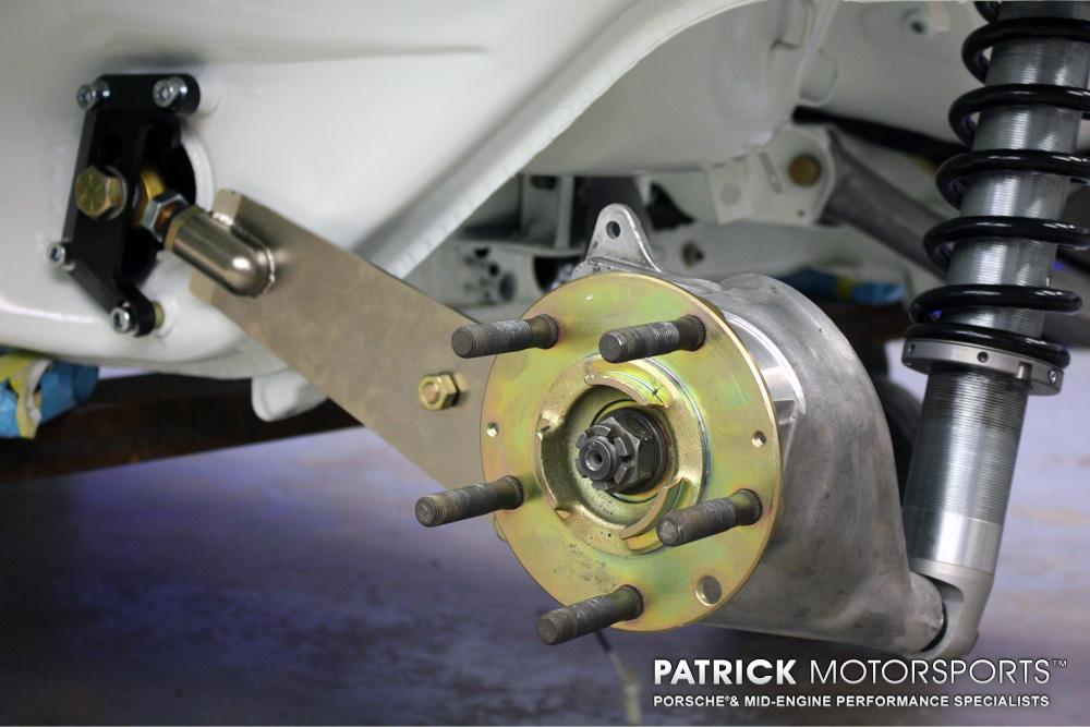 74 911 IROC JA_Rear Axle Flange