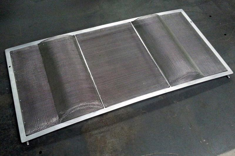 914-916 ENG GRILL DETAIL