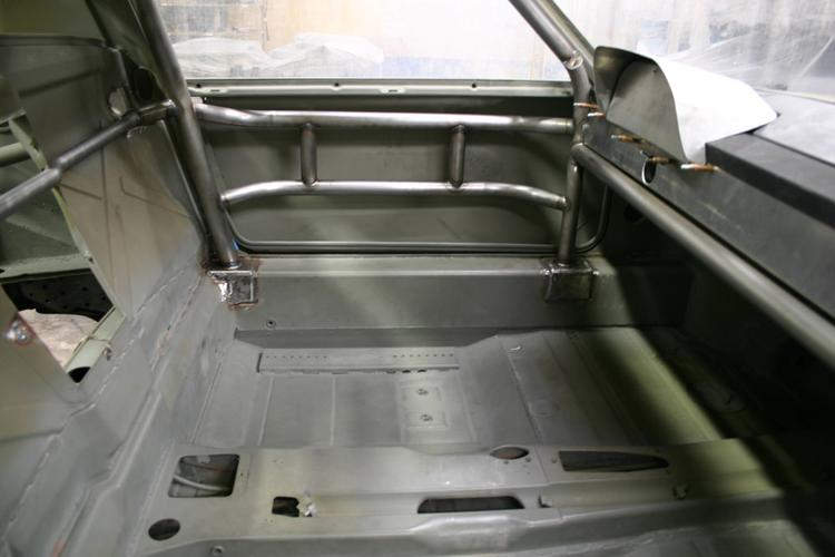 914-6 GT PS DRIVERS FLOOR DETAIL